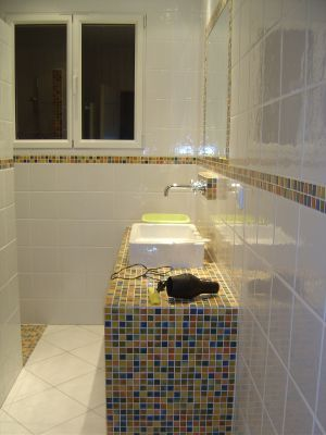 mosaique salle de bain en douche italienne avec panneau wedi. Black Bedroom Furniture Sets. Home Design Ideas