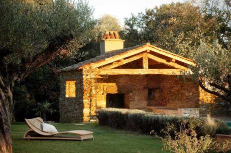 ad pool house bois. Black Bedroom Furniture Sets. Home Design Ideas