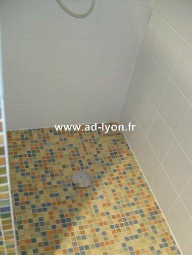 Salle de bains une douche l italienne pour plus de for Douche italienne appartement