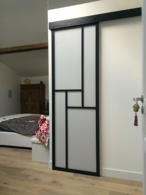 cloison et porte coulissante sur mesure votre go t selon vos plans. Black Bedroom Furniture Sets. Home Design Ideas